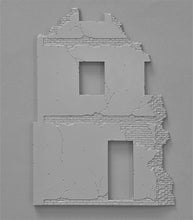 1/35 Ruined Building with Base - Hobby Sense