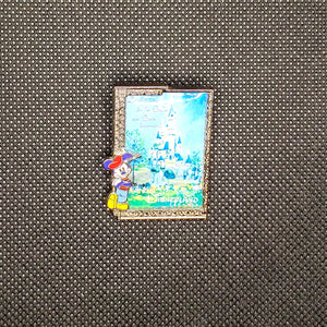 Disneyland Paris Castle - Mickey Pin