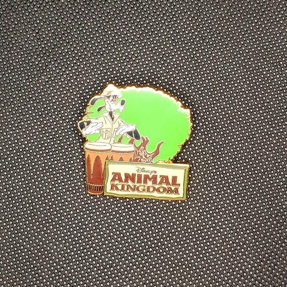 Animal Kingdom Goofy Pin