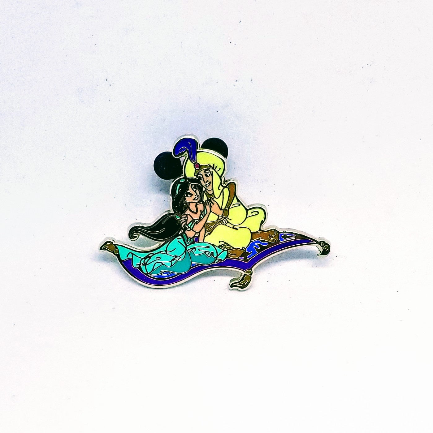Aladdin & Jasmine on Flying Carpet Pin