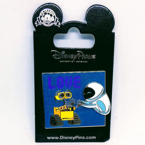 Wall-E & Eve Love Pin