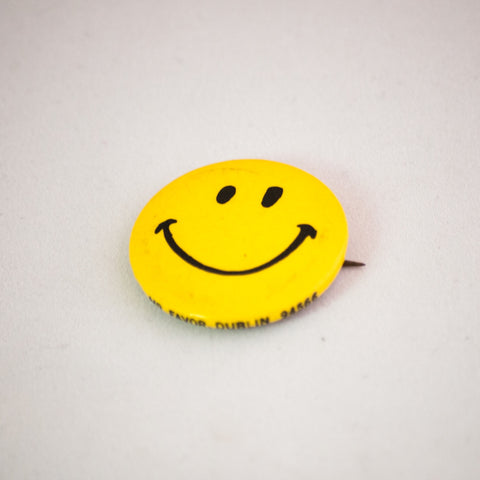 vintage smiley face button pin 70's 80's