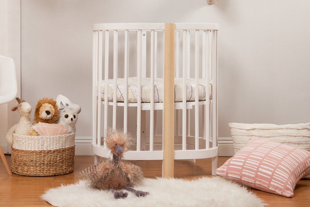 M13001WNX,Hula Convertible Oval Crib and Mini W/pad in White and Washed Natural