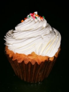 Cupcake-Vanilla with Wedding Cake Buttercream