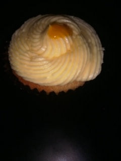 Cupcake Vanilla with Lilikoi Frosting