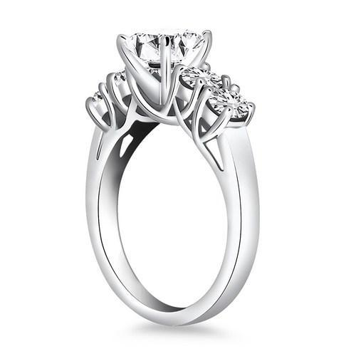 14k White Gold Five Stone Diamond Trellis Engagement Ring, size 9 | Kipe it