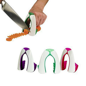 Safe & Easy Chopping & Slicing Onion Holder