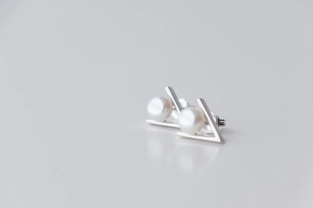 Sterling Silver Minimal Earrings with 6.5-7mm White Pearl