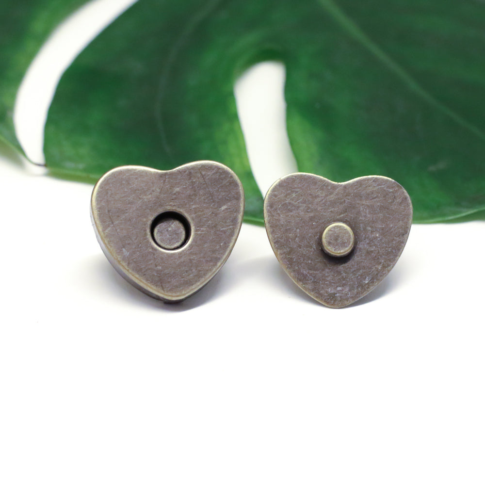 10 x Heart-shaped Bronze Magnetic Snaps // Bag Closure