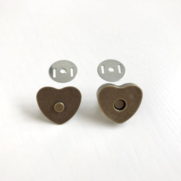 1 x Heart-shaped Bronze Magnetic Snaps // Bag Closure