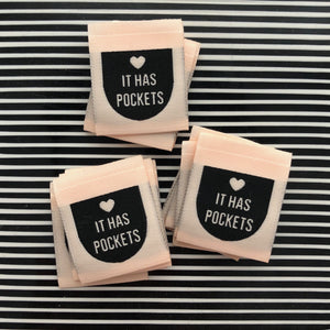 """IT HAS POCKETS"" Woven Clothing Labels (Pack of 8)"