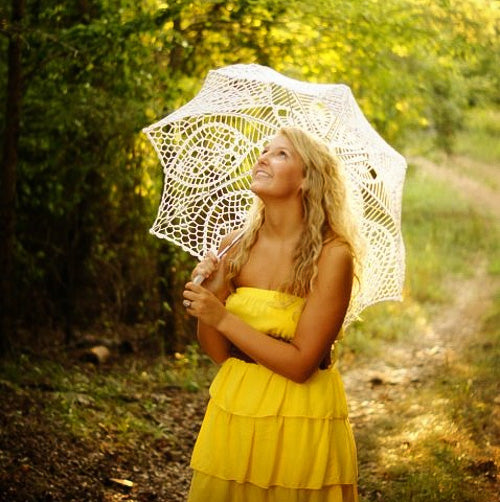 Sweet sixteen under the lace umbrella