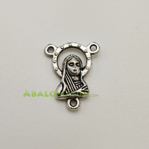 Ave María / Modelo 12 / Color plata / 19mm x 15mm