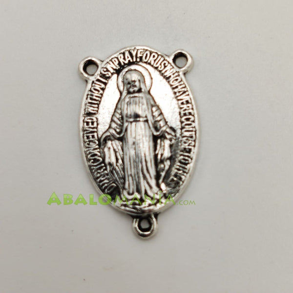 Ave María / Modelo 18 / Color plata / 24mm x 15mm