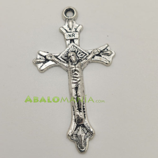 Crucifijo / Modelo 11 / Color plata / 45mm x 25mm