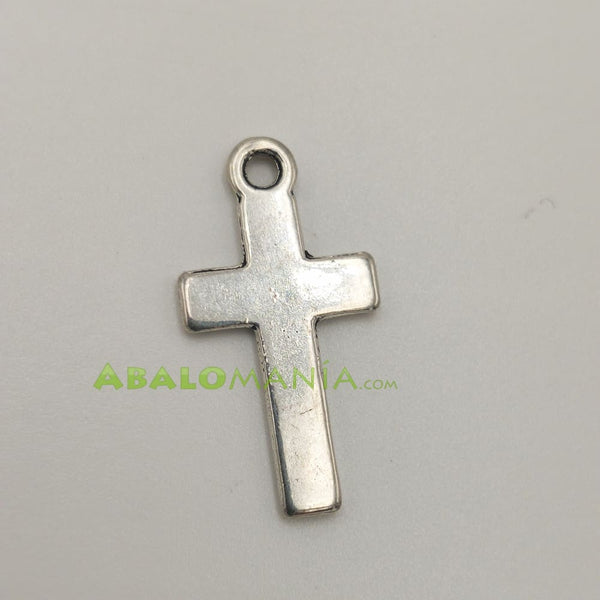 Crucifijo / Modelo 15 / Color plata / Reversible / 25mm x 14mm