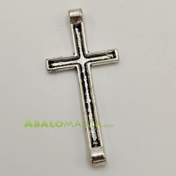 Crucifijo / Modelo 19 / Color plata / 43mm x 20mm