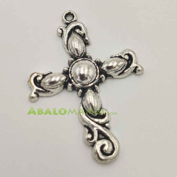 Crucifijo / Modelo 4 / Color plata / 45mm x 32mm