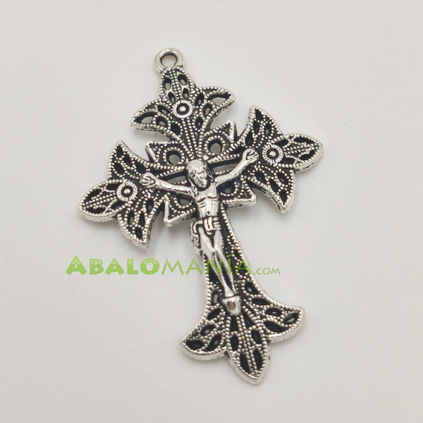 Crucifijo / Modelo 6 / Color plata / 40mm x 29mm