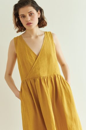 Eat Sleep Repeat Dress in Gold - hej hej