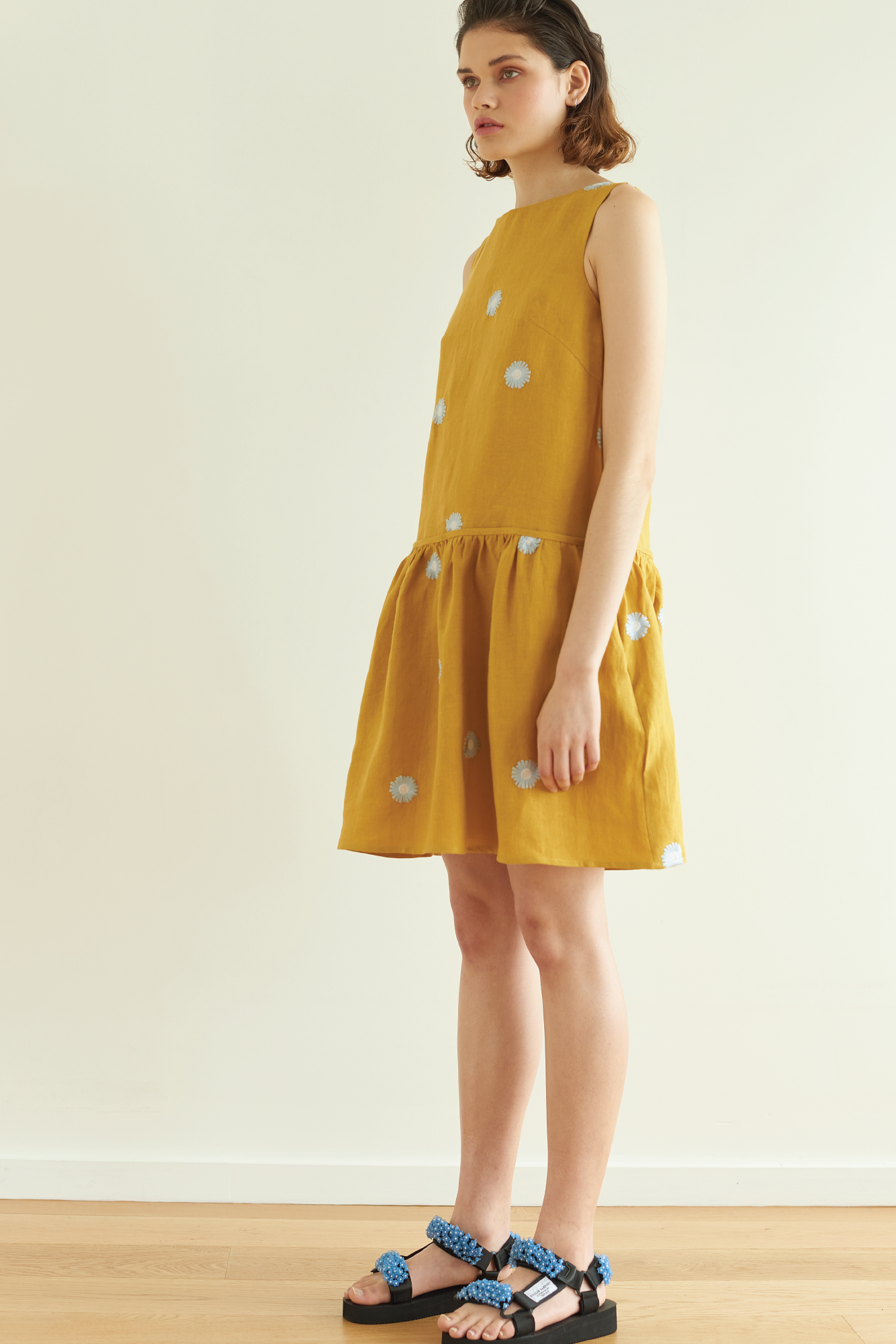 Ruffle Her Feathers Dress in Gold Daisy - hej hej