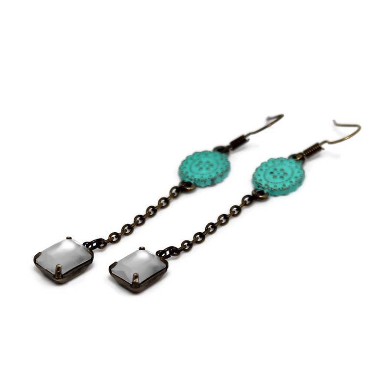Gleeful Peacock - Free Fall Earring - Pen & Grey