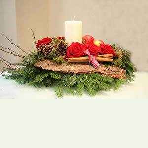 Stunning Christmas Table Arrangement with Candle