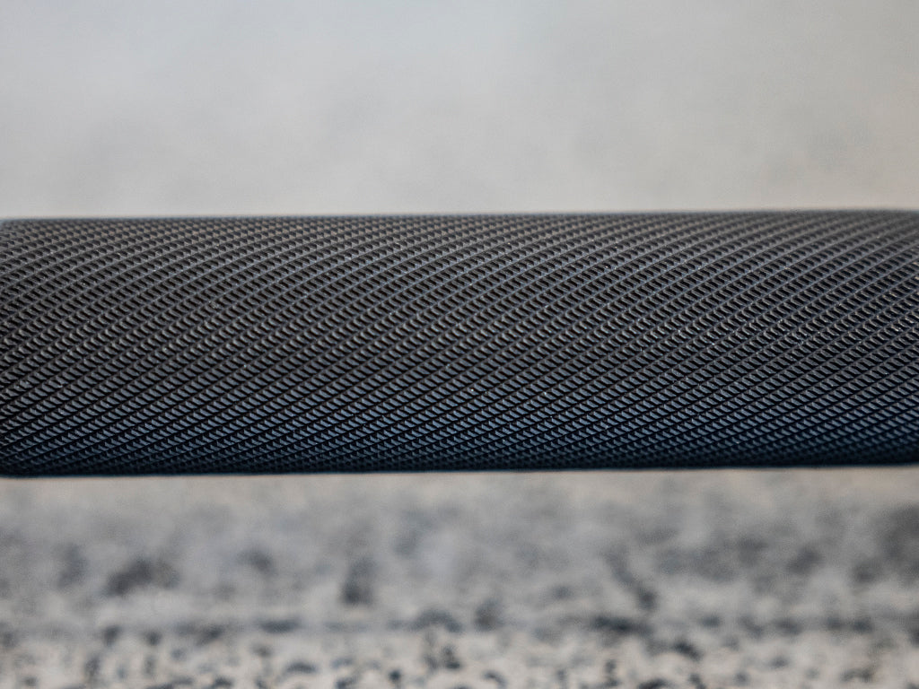 Medium / Aggressive Knurling with Center Knurl power bar