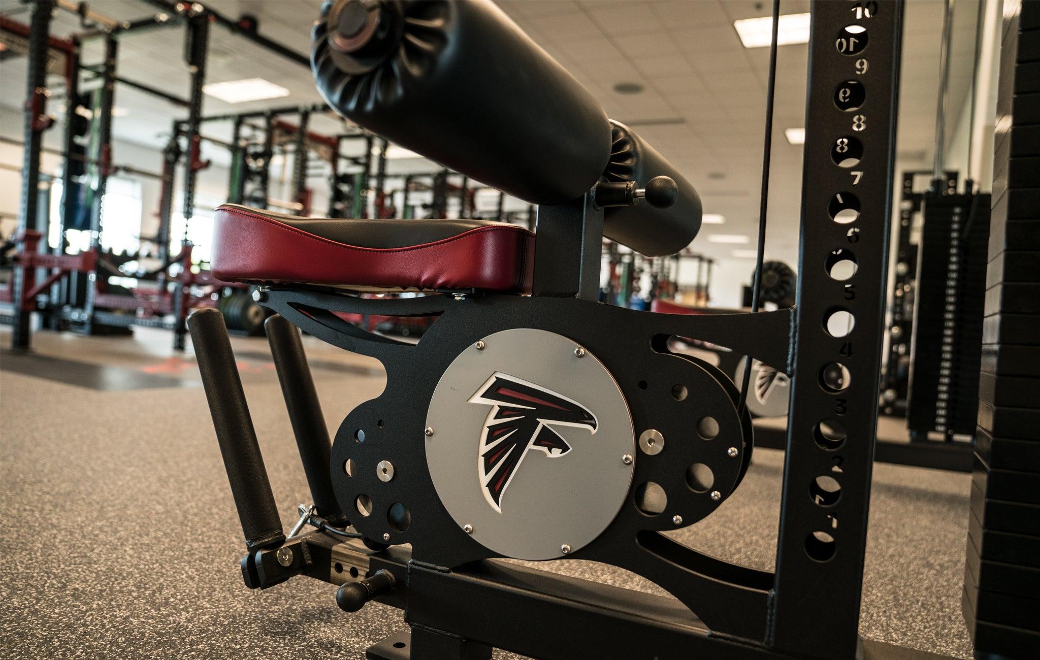 atlanta falcons strength training faility