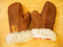 Make a Pair of Wool and Leather Mittens