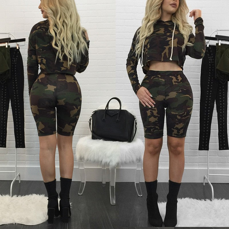 Camouflage Hooded Long Sleeve Top+ Capris Short Pants set