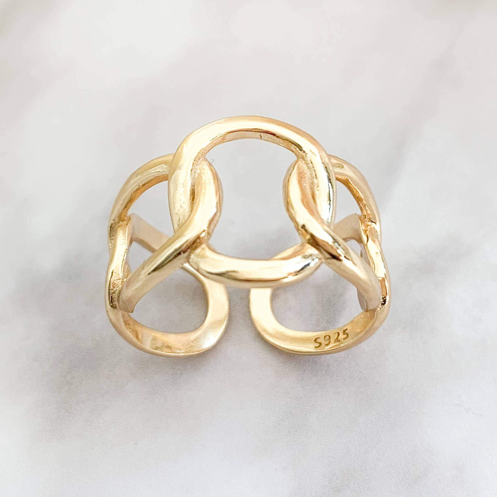 Whim Collections Chelsea chunky chain ring, featuring multi-size chain design. The ring is shot on a marble countertop to expose 925 sterling silver authenticity stamp.