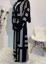 Load image into Gallery viewer, Black Halyat Open Abaya
