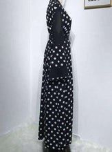 Load image into Gallery viewer, Black Bita Polka Dot Open Abaya