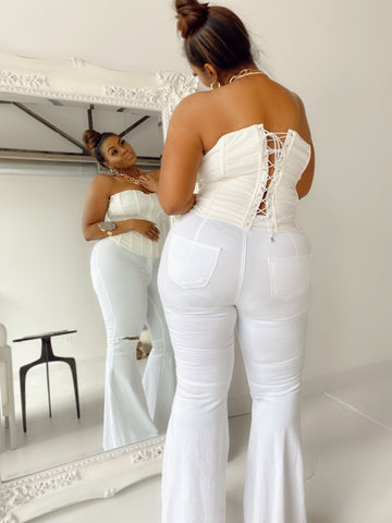 Snatched | White High-waist Flare Jeans