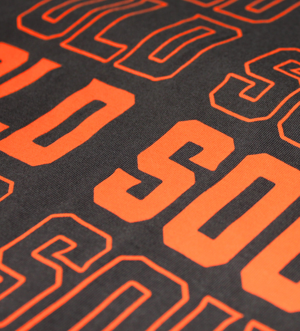 Close Up photo Old Soul shirt