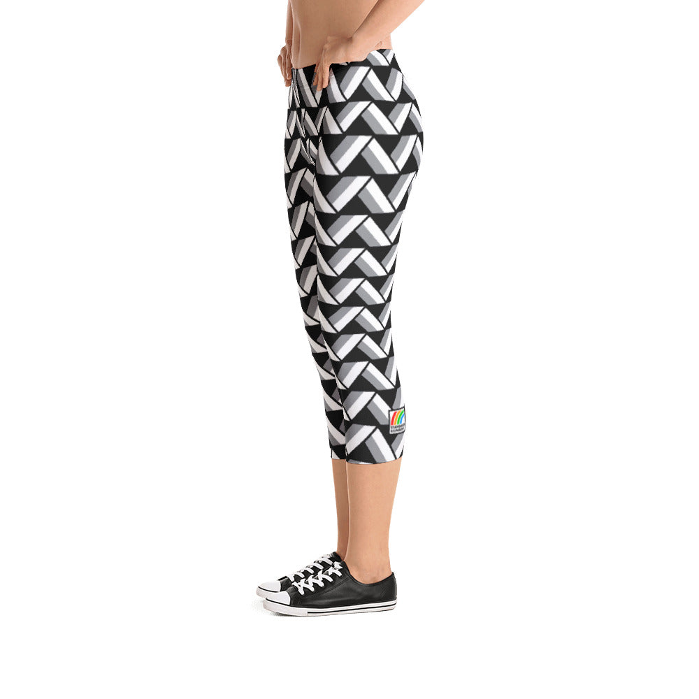 Nebraska Capri Leggings [Black]