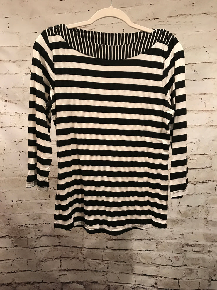 BLACK/WHITE STRIPED LONG SLEEVE TOP