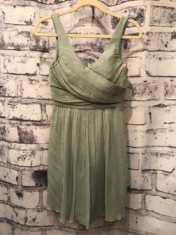 GREEN SHORT DRESS (NEW) $178