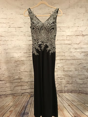 BLACK/SILVER LONG EVENING GOWN