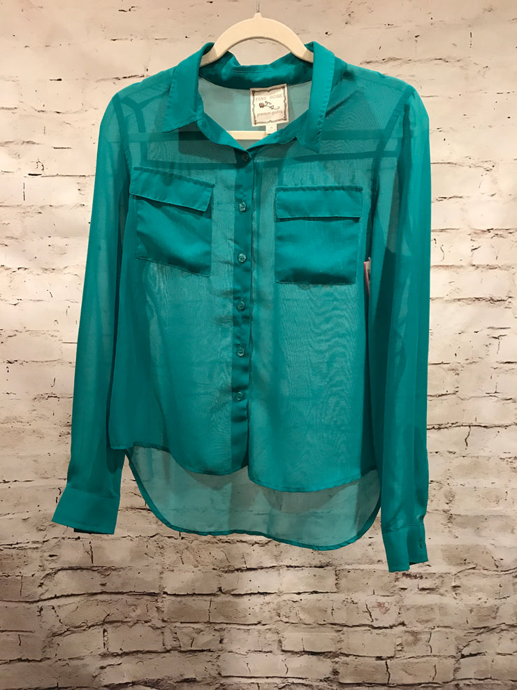 GREEN BUTTON UP TOP