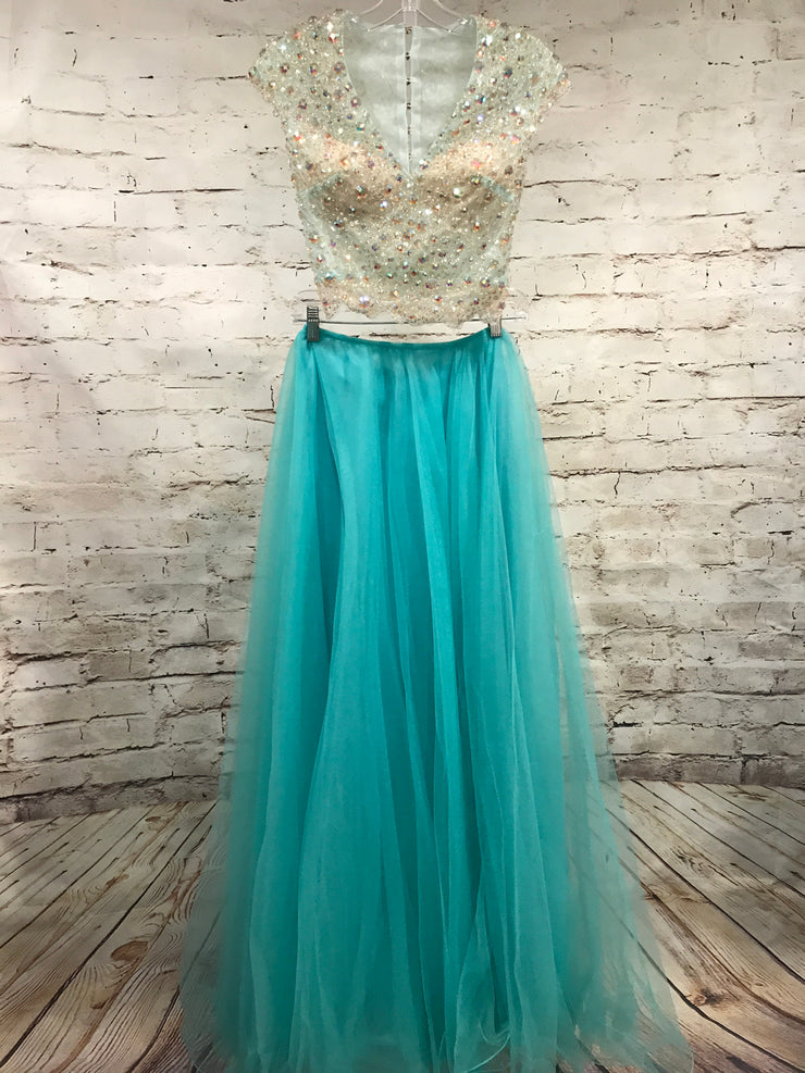 LIGHT. BLUE 2 PC. PRINCESS (NEW)