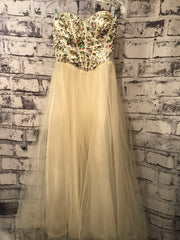 * * IVORY A LINE PRINCESS GOWN