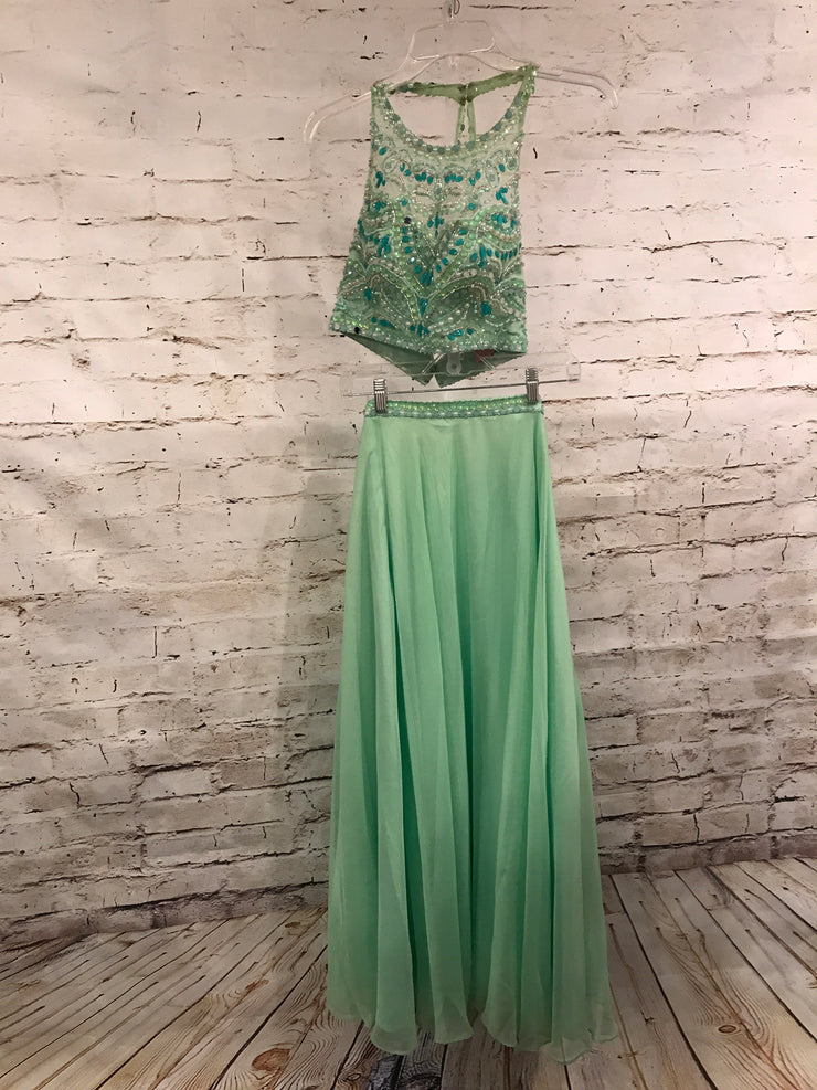 GREEN 2 PC LONG EVENING GOWN