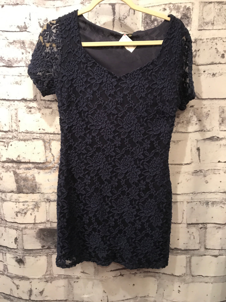 NEW -NAVY LACE SHORT DRESS