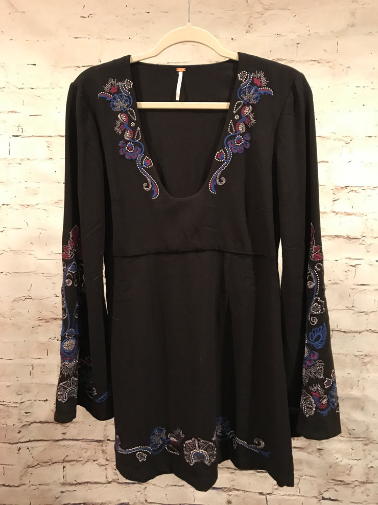 BLACK/COLORFUL LONG SLEEVE DRESS RETAIL $198