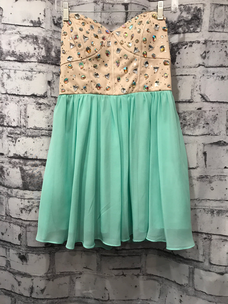 MINT GREEN/IVORY SHORT DRESS