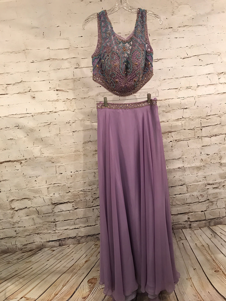 LAVENDAR 2 PC. GOWN SET (NEW)
