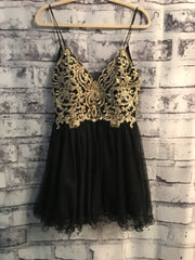 NEW - BLACK SHORT POOFY DRESS