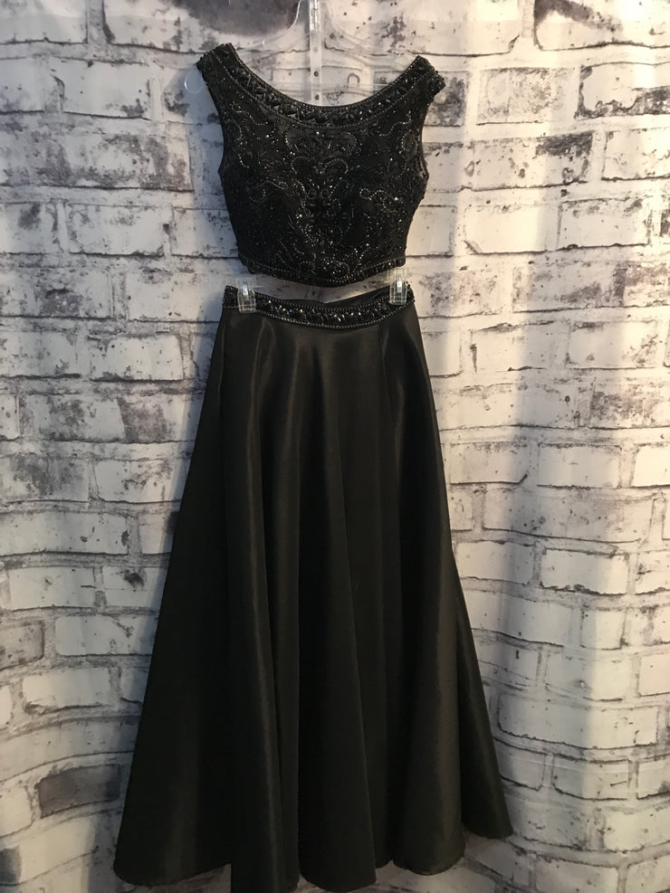 BLACK 2 PC. PRINCESS GOWN SET